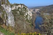 cliffs-and-river-lot