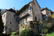 stone-house-with-balcony