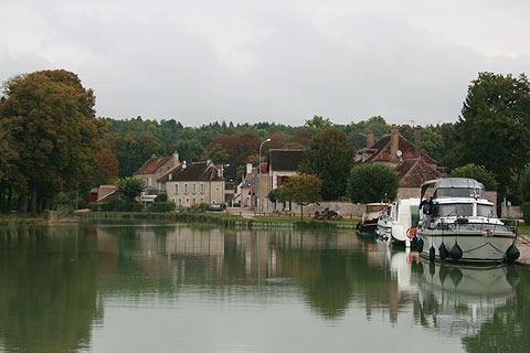 Burgundy canal in Tanlay