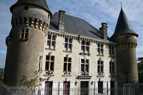 Imposing manor house in Thiviers
