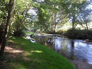 River next to Thollet