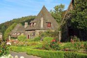 chateau-d-anjony-outbuildin