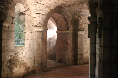 crypt below the abbey church of Saint-Philibert in Tournus