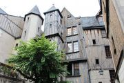 medieval-houses-1