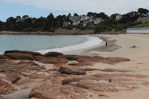 Pink granite on the beach at Trebeurden