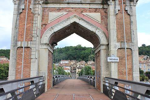 Pont à l'approche de Trevoux