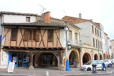 Valence d 39 agen france informations touristiques et lieux visiter - Villeroy et boch valence d agen ...