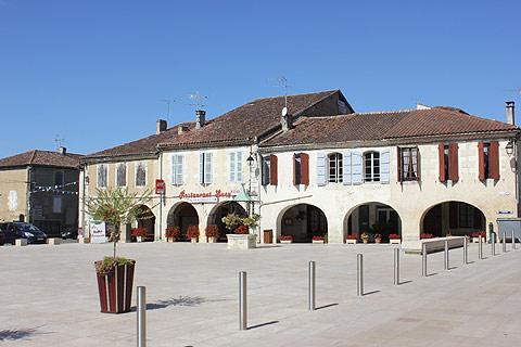 arcades in main square