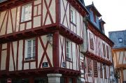 vannes-medieval-street