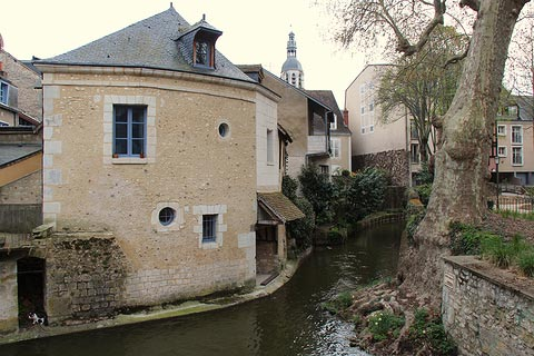 Small stream in centre of Vendome
