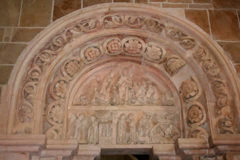 tympan de la basilique