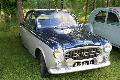 photo of classic peugeot 403